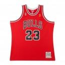 MICHAEL JORDAN Signierte 1996-97 BULLS ROT NBA FINALS flicken MITCHELL & NESS TRIKOT